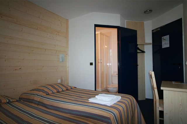 Double Rooms Cheap Hotel Stars Dreux